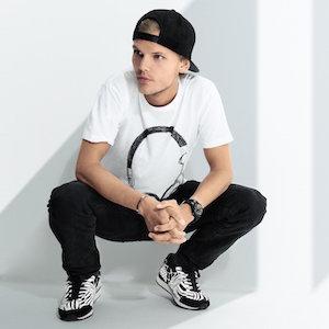 Avicii – Addicted To You の歌詞を和訳してみた
