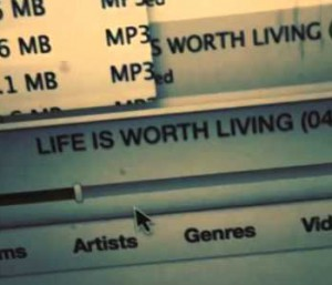 justine-bieber-life-is-worth-living