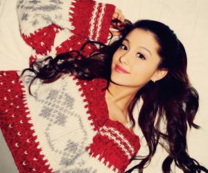 ariana-grande-christmas-chill